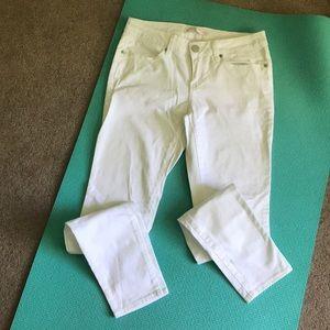 No Boundaries white skinny jeans
